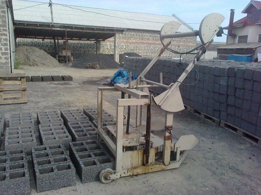 оборудование для производства шлакоблоков в домашних условиях