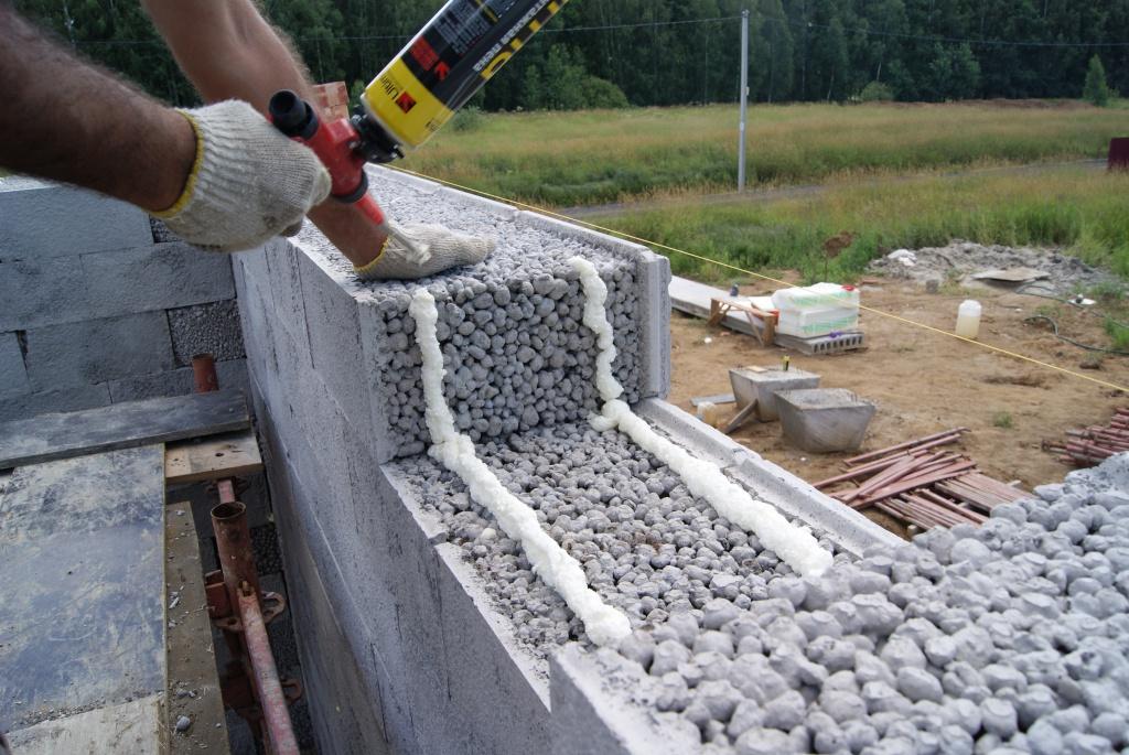 кладка стены из блоков своими руками