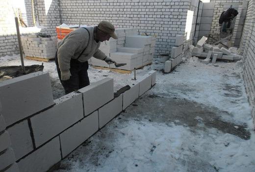 Строят ли зимой из пеноблоков