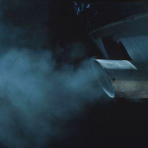 Синий дымок из выхлопной трубы