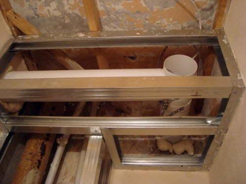 Как задекорировать канализационную трубу в ванной