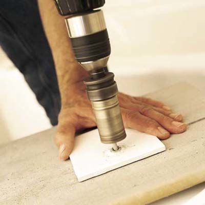 Как обойти трубы при укладке плиткой