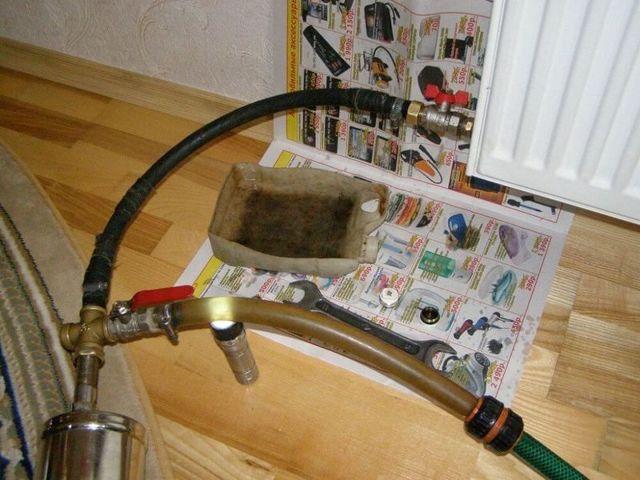 Холодная труба выходящая из батареи