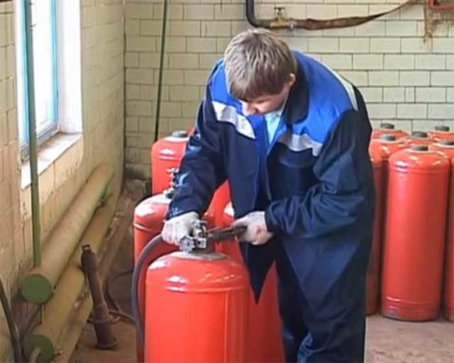 Запорная арматура для газового баллона