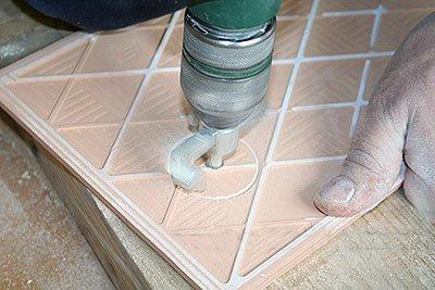 Как делать отверстие в плитке для трубы