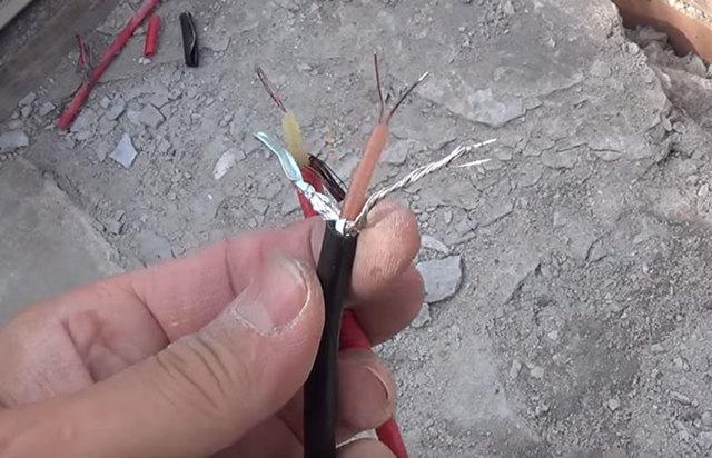 Тройник для ввода греющего кабеля в пнд трубу