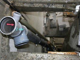 Сделать ревизию в канализационной трубе