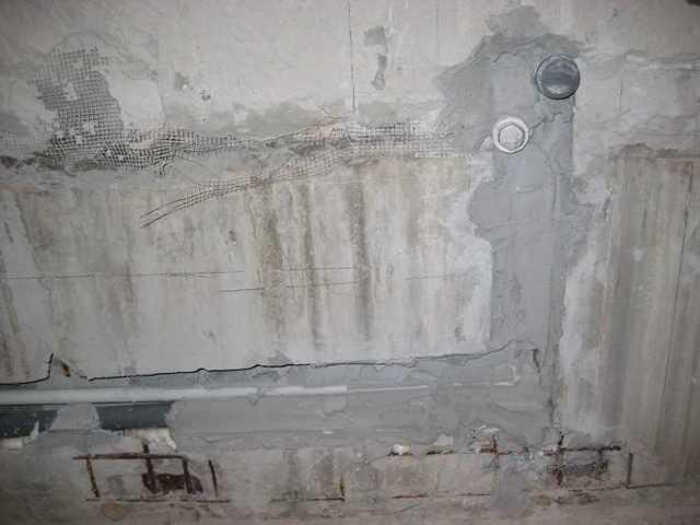 Как закрыть водяные трубы в ванной комнате