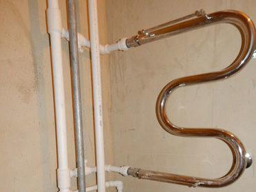 Полотенцесушитель из полипропиленовых труб своими руками в частном доме