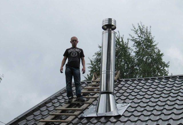 Течет крыша где труба что делать