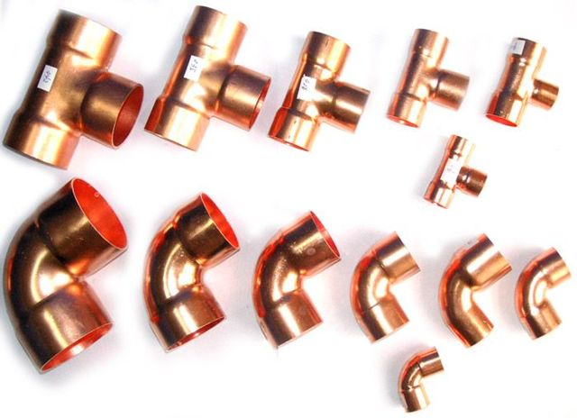 Фреоновые трубопроводы в тепловой изоляции