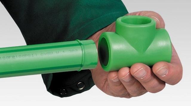Как обойти полипропиленовую трубу через трубу