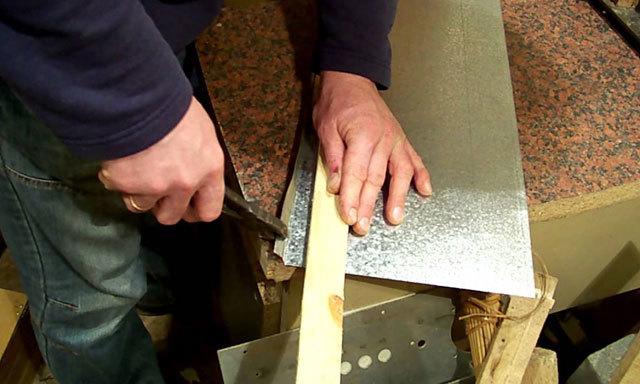 Как изготовить трубу из оцинкованного листа