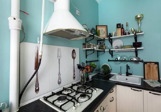 Как закрыть трубы стояка в кухне