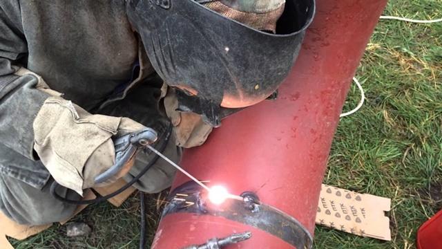 Сварка металлических труб для водопровода
