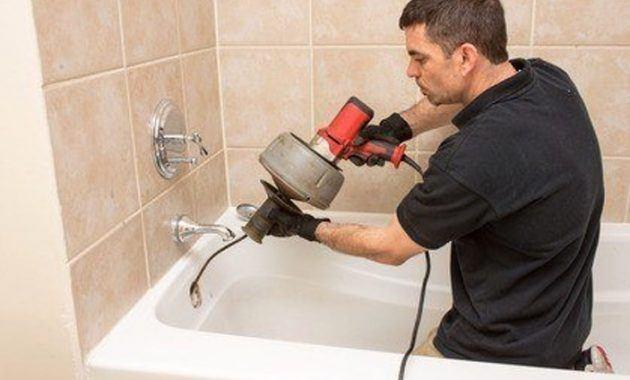 Сантехника прочистить трубу в ванной