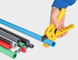 Как заменить трубы в квартире своими руками