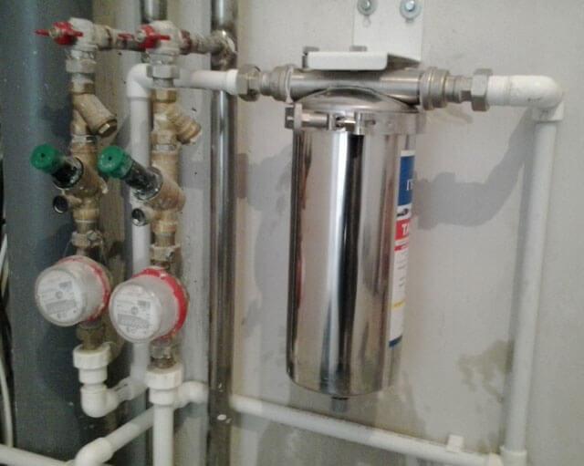 Фильтр жидкостной для трубы
